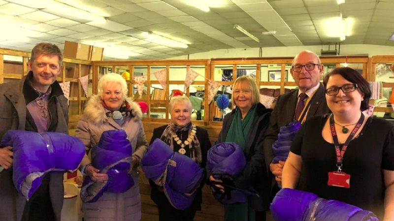 Photo left to right:  Ged Bretherton, Rtn Lesley Hargraves, Soroptimist President Anne Holmes, Soroptimist Pauline Moran, Rotary President John Wright and Emma from the Brick.